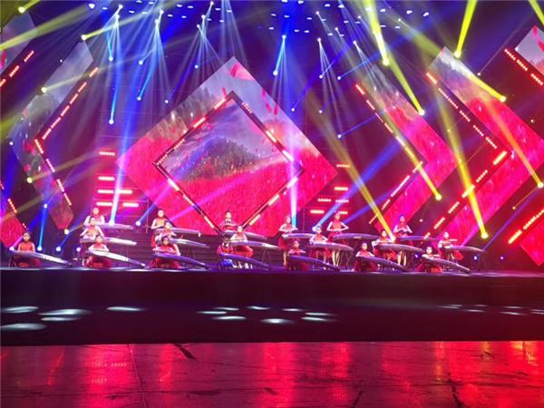 徐灵儿受邀参加中央电视台献礼十九大的专题节目录制《我的祖国》