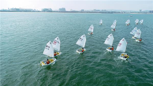 碧海逐浪帆飞扬,国家级帆船赛首次在荣成举办
